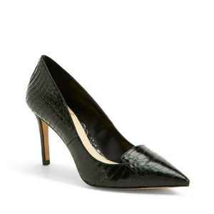 VINCE CAMUTO Black Snake Embossed Panan Pumps